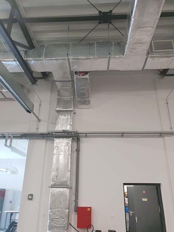 Remiza Ochotniczej Straży Pożarnej w Rokietnicy - wykonanie instalacji klimatyzacji typu VRV marki Samsung